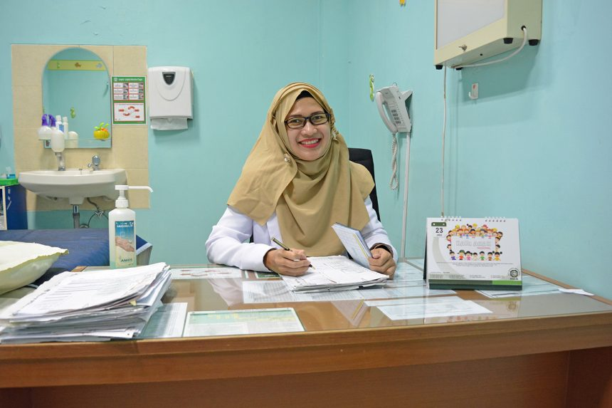 dr. Ingga Gebyarani, M.Biomed, Sp.A